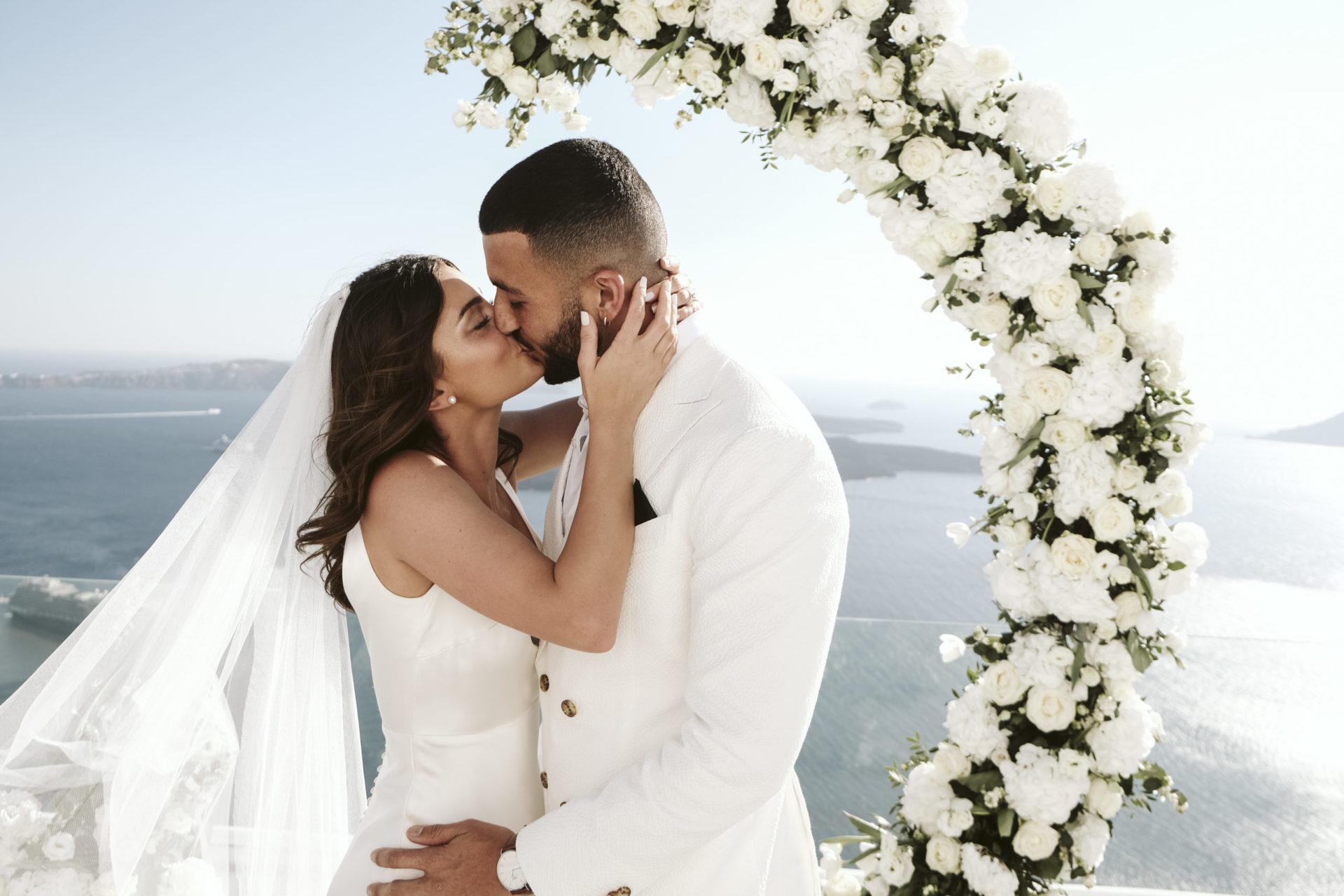 Wedding Planner In Santorini Greece
